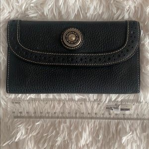 Dooney and Bourne wallet